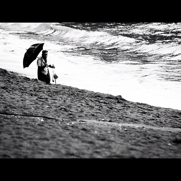 #Oldman roam on the #beach. #bw #blackandwhite #monocrome