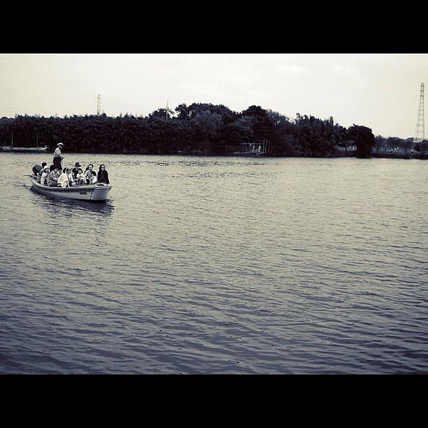Boat / #boat #river #bw#blackwhite#blackandwhite#monochrome