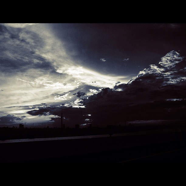 Cloudy sky / #sky #cloud #bw #blackandwhite #momochrome