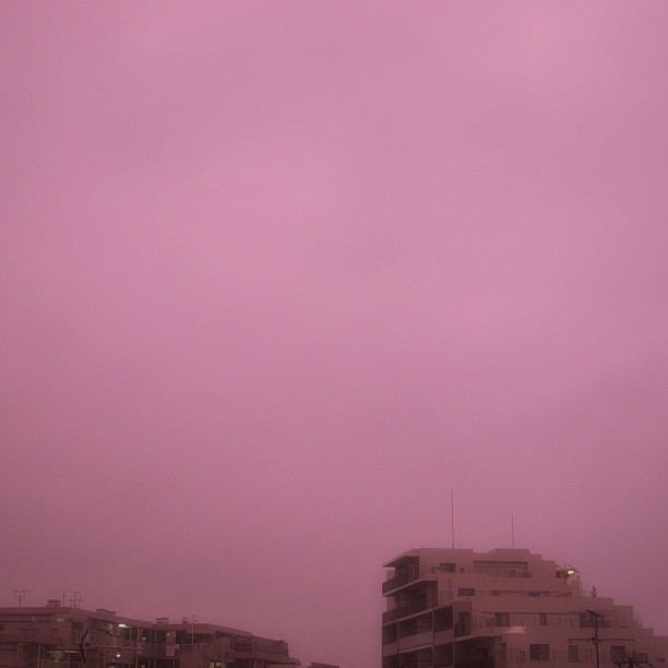 The color of the sky for raining?