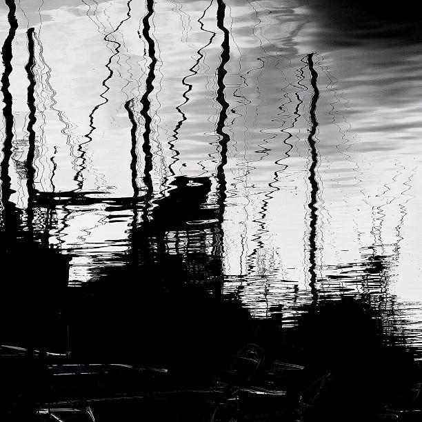 Segelschiffe im wellenbewegtem WasserInspiriert Schiele