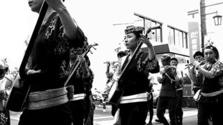 Festival women…..#worldcaptures #royalsnappingartists#myighub #Bnw_captures #bnw_fabulous #all_bnwshots #sombrebw #friendsinbnw #Rsa_bnw #Rustlord_unity #bnw_lombardia_member #modefinedbw #insta_pick_bw  #pr0ject_bnw #trb_bnw #tgif_bnw #foto_blackwhite #dof_addicts #great_bnw_nature #bnw_sweden #igs_bnw #Thehub_bnw #fingerprintofgod #naturehippys_ #Nature_brilliance_bnw #GrammerCollective #bwgrammer #bewitched_flowers